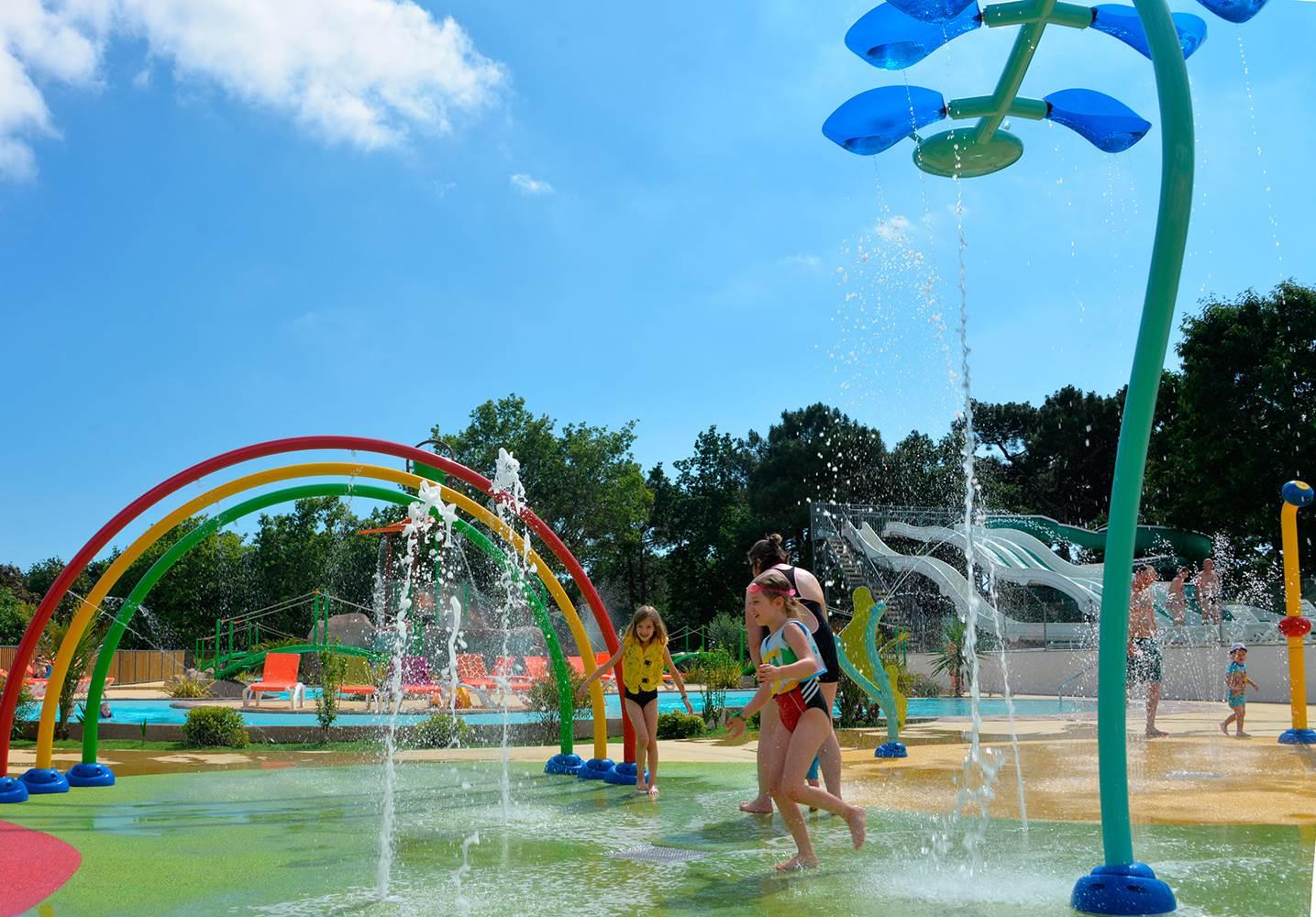 Des heures de plaisir au nouveau parc aqualudique ©