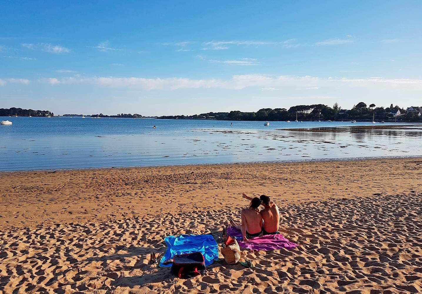 La douceur d'une soirée sur la plage en face du camping ©