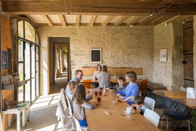 Café du Parc au Domaine de Kerguéhennec, Département du Morbihan © Emmanuel Berthier, 2019 ©