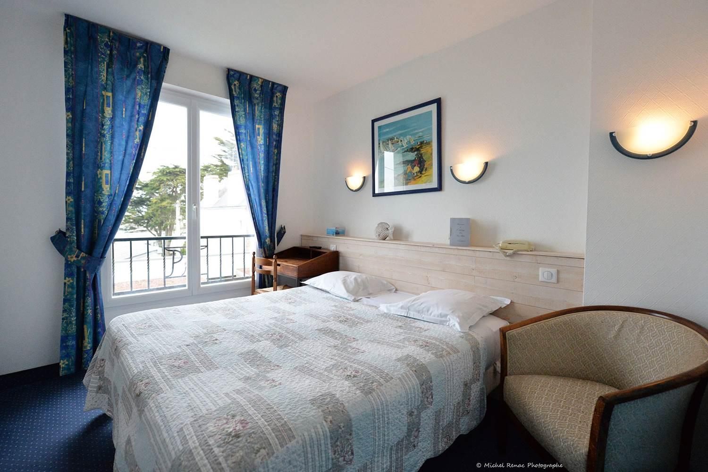 hôtel du Parc Fétan à Larmor-Baden chambre vue sur mer ©