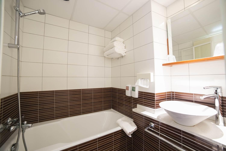 salle de bain chambre classique ©