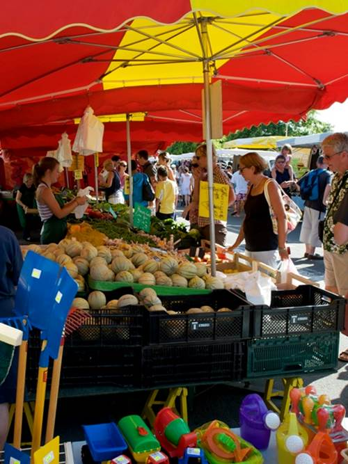 Jour de marché à Carnac