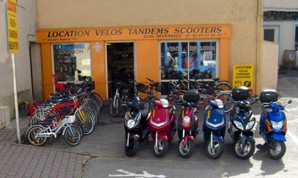 LOCATION DE VELO, SCOOTER, MOTO : CYCLES REVERSADE