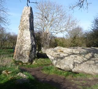 Le Grand Arc mégalithique Kerzerho Crucuno