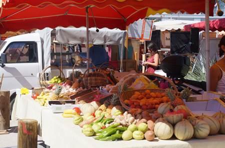 Marché de Port-Haliguen